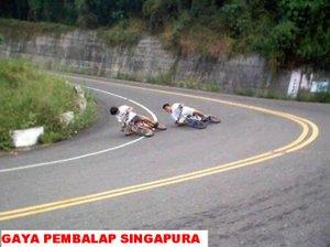 foto-pembalap-gaya-lucu-5