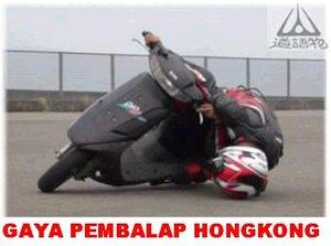foto-pembalap-gaya-lucu1